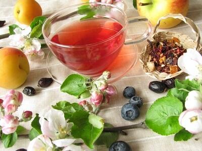 Tasse mit Früchtetee