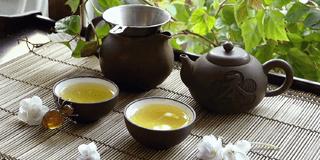 Traditionelle Teezubereitung Japan