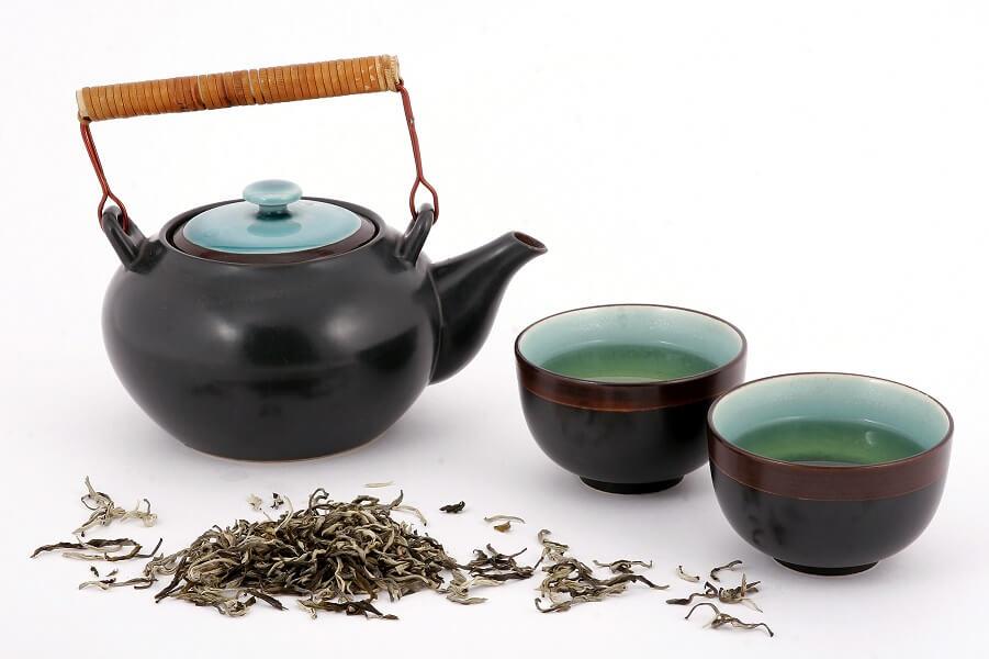Weißer Tee Aufgüsse Teekanne